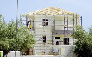 investment-in-homes-by-greek-households-has-fallen-85-pct