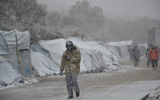 greece-sends-navy-ship-to-help-freezing-migrants