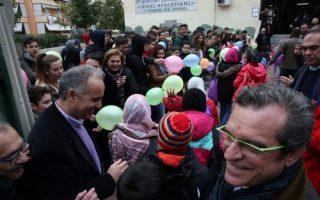 refugee-camp-children-receive-warm-welcome-at-nikaia-school