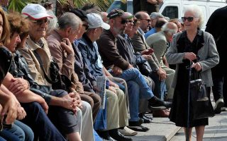 half-of-families-in-greece-live-on-pensions