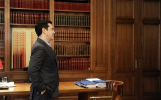 as-tsakalotos-seeks-to-restart-review-pm-must-keep-lid-on-syriza-dissent