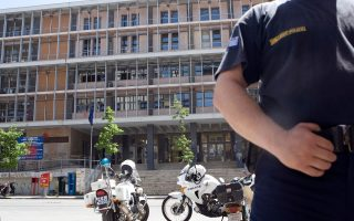 athens-police-arrest-two-over-contraband-smokes