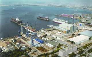 state-attempts-to-drum-up-interest-in-skaramangas-shipyards