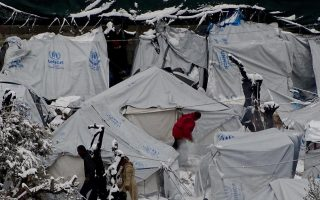 eu-commission-amp-8216-untenable-amp-8217-situation-in-greek-refugee-camps