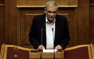 minister-brushes-off-criticism-after-attack-on-police-in-central-athens