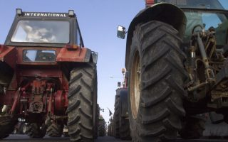 protesting-farmers-try-to-reach-northern-border