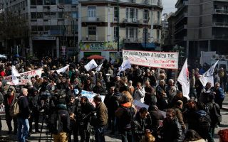 farmers-protest-in-athens-but-leave-tractors-at-home