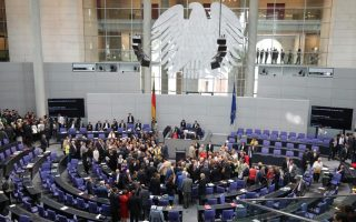german-government-says-it-amp-8217-s-united-on-need-to-stabilize-greek-economy
