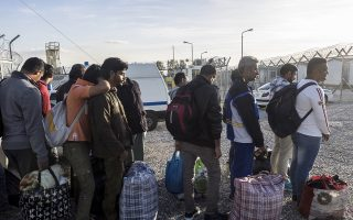 five-syrians-returned-to-turkey-as-part-of-deal-with-eu0