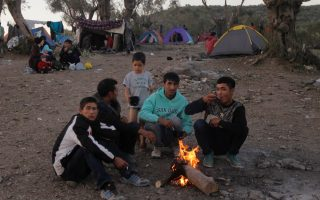 small-steps-taken-to-improve-conditions-at-lesvos-migrant-camp0
