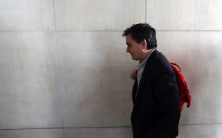 tsakalotos-tells-parliament-he-hopes-for-a-deal-by-march-200