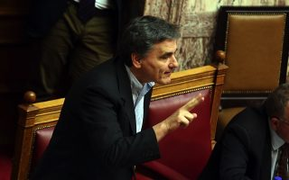 tsakalotos-keeps-cards-close-to-chest-on-deal