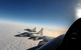 four-turkish-jets-chased-off-after-violating-greek-air-space