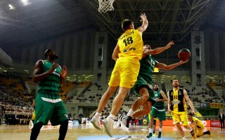 greens-pull-away-from-aek-in-double-overtime