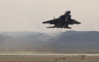authorities-report-16-turkish-violations-of-greek-air-space-in-one-day