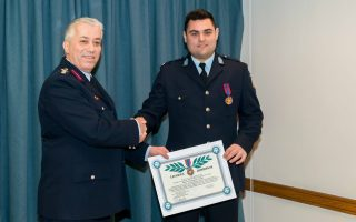 police-officer-receives-bravery-medal-for-saving-child-from-fire