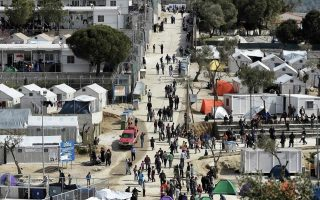 refugee-hotspots-in-greece-come-under-fresh-pressure0