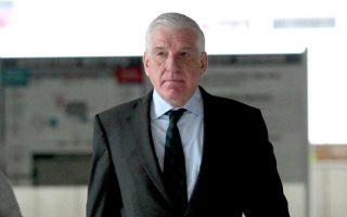 parliament-backs-bid-to-probe-papantoniou-defense-deals0