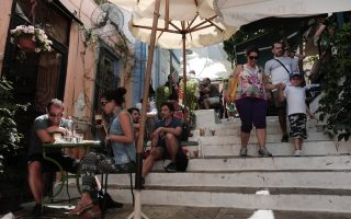new-residence-permits-to-be-issued-for-foreigners-living-in-greece0