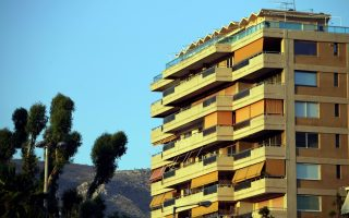 greece-s-desperate-households