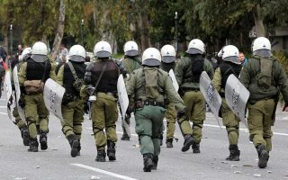 five-assailants-who-attacked-riot-unit-in-kypseli-being-sought