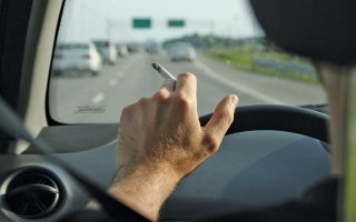 smoking-while-driving-with-a-child-invites-heavy-fine