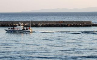 four-turks-being-detained-on-chios-to-seek-political-asylum