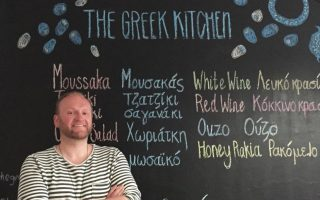 british-man-shares-his-love-for-greece-through-food