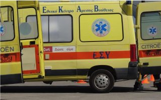 two-rescued-after-jeep-falls-into-volos-port