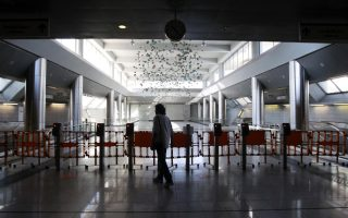 athens-transport-firms-hope-for-financial-boost-from-e-tickets