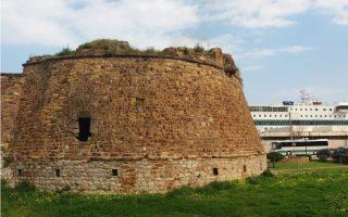 castle-restoration-chios-august-7