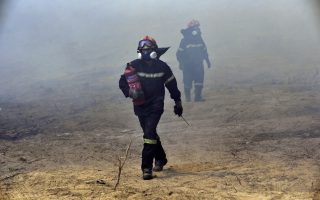 firefighters-contain-destructive-wildfire-near-athens