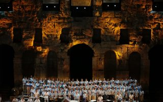refugee-children-bring-acropolis-alive-with-song
