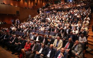 greece-trails-its-peers-in-tapping-conference-tourism
