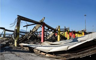 roof-collapse-in-patra-kills-one
