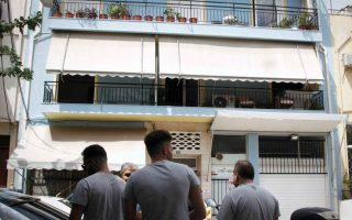 family-tragedy-seen-behind-athens-apartment-fire
