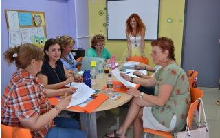 volunteer-movement-seeks-to-get-seniors-on-board0
