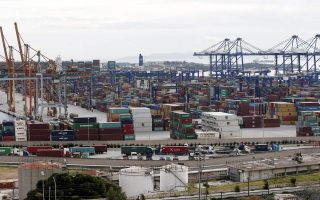 container-traffic-at-piraeus-dips-in-july-but-outperforms-in-h1