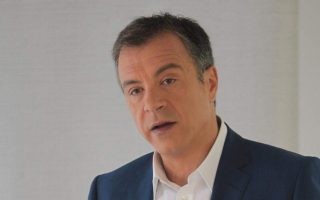 theodorakis-expected-to-make-leadership-bid-for-democratic-alignment