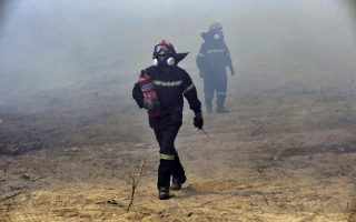 fire-at-thessaloniki-army-camp-contained