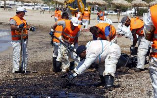 mayors-of-coastal-suburbs-take-legal-action-over-oil-tanker-leak0