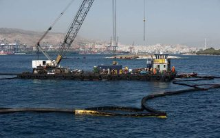 greece-to-step-up-tanker-checks-after-pollution-from-sinking