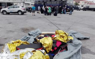 lesvos-mayor-issues-warning-on-refugee-numbers
