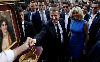 macron-calls-for-investments-in-greece-european-solidarity