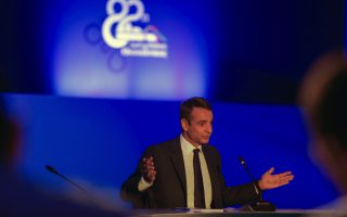 mitsotakis-says-political-change-will-lead-to-reforms-growth