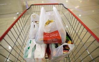 decade-long-war-on-plastic-bags-fails-to-yield-results