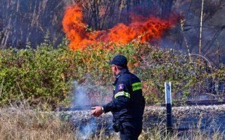 fire-threatening-homes-in-kassandra-halkidiki
