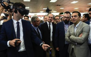 greek-pm-checks-out-exhibits-at-annual-fair-in-thessaloniki