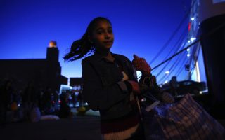 dozens-of-refugees-brought-to-mainland-from-lesvos