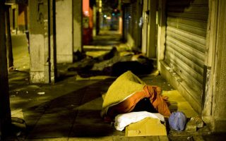 as-cold-snap-hits-athens-measures-to-protect-homeless-are-rolled-out
